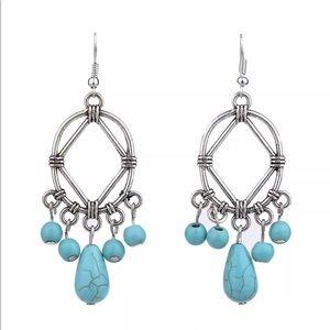 Jewelry - Retro Silver & Turquoise Bead Earrings